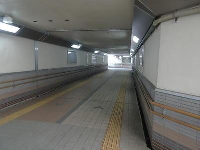 railwaroaunder1.jpg